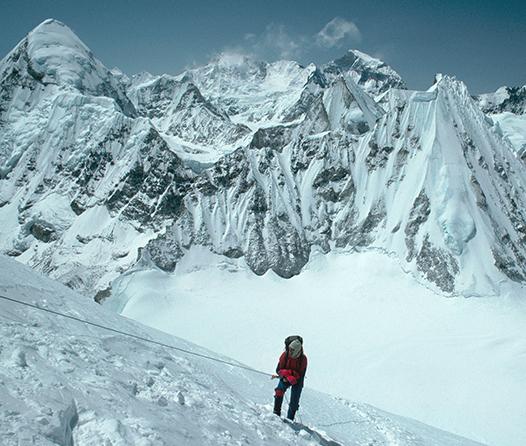 El monte Everest se vuelve mucho más exclusivo, ¿calificas para subir?