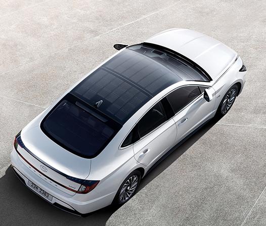 El nuevo Hyundai tiene techo panorámico con sistema de carga solar