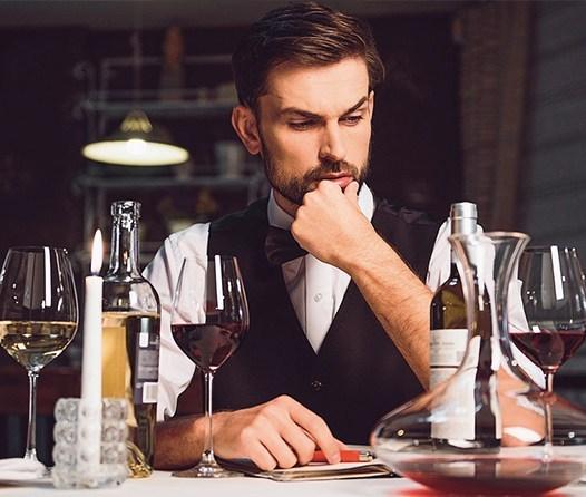 Estudio asegura que el vino elimina placa dental y mata gérmenes bucales
