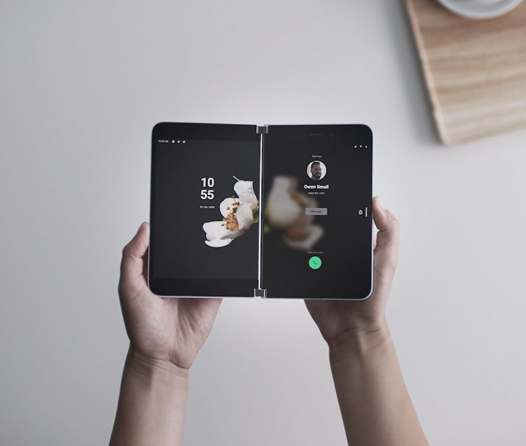 Porque una pantalla no es suficiente, Microsoft lanza un smartphone con dos
