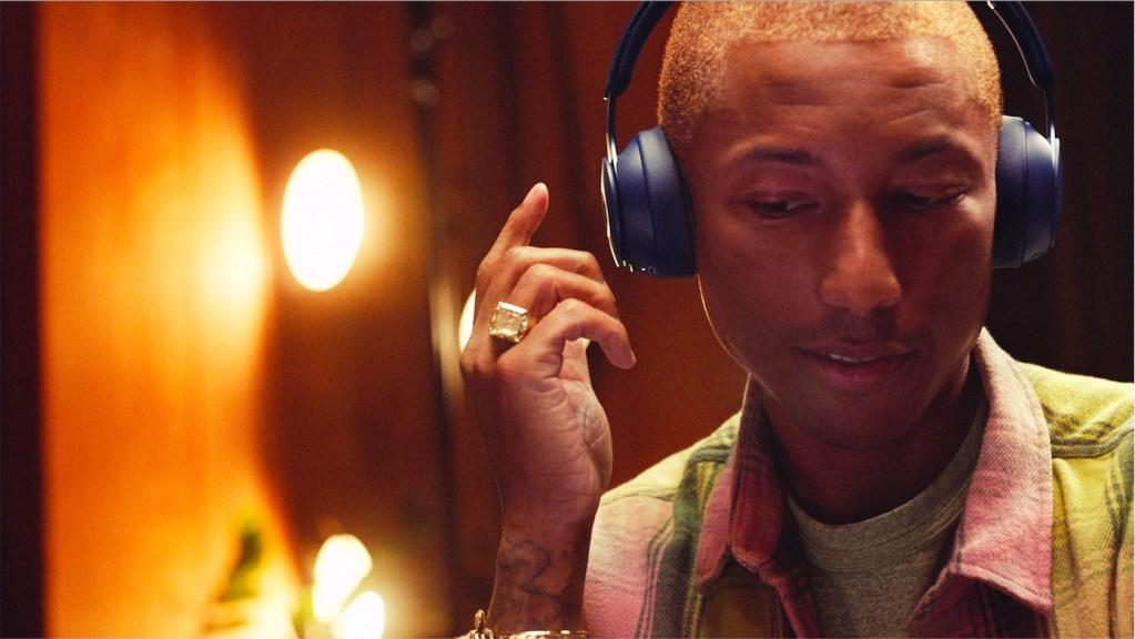 Los nuevos Beats de Pharrell Williams ya pueden ser tuyos
