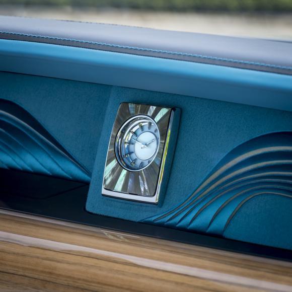 Rolls-Royce-presenta-un-Phantom-que-honra-a-los-relojeros