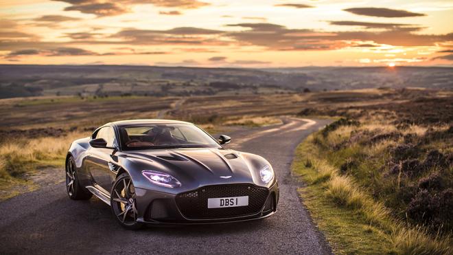 La próxima película de James Bond presentará 4 Aston Martins diferentes