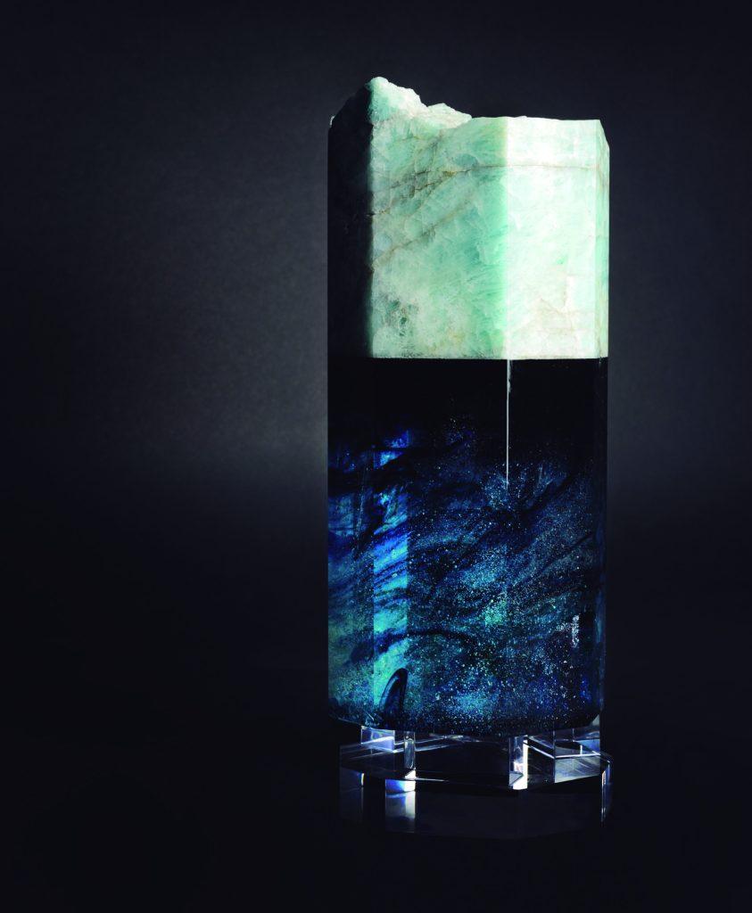 King Aqua: Naturaleza artística, una gema hecha arte.