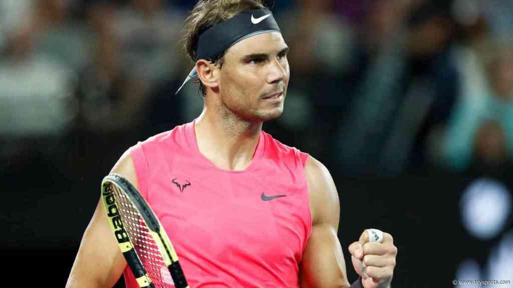 Rafael Nadal golpea a recogepelotas en el Open de Australia