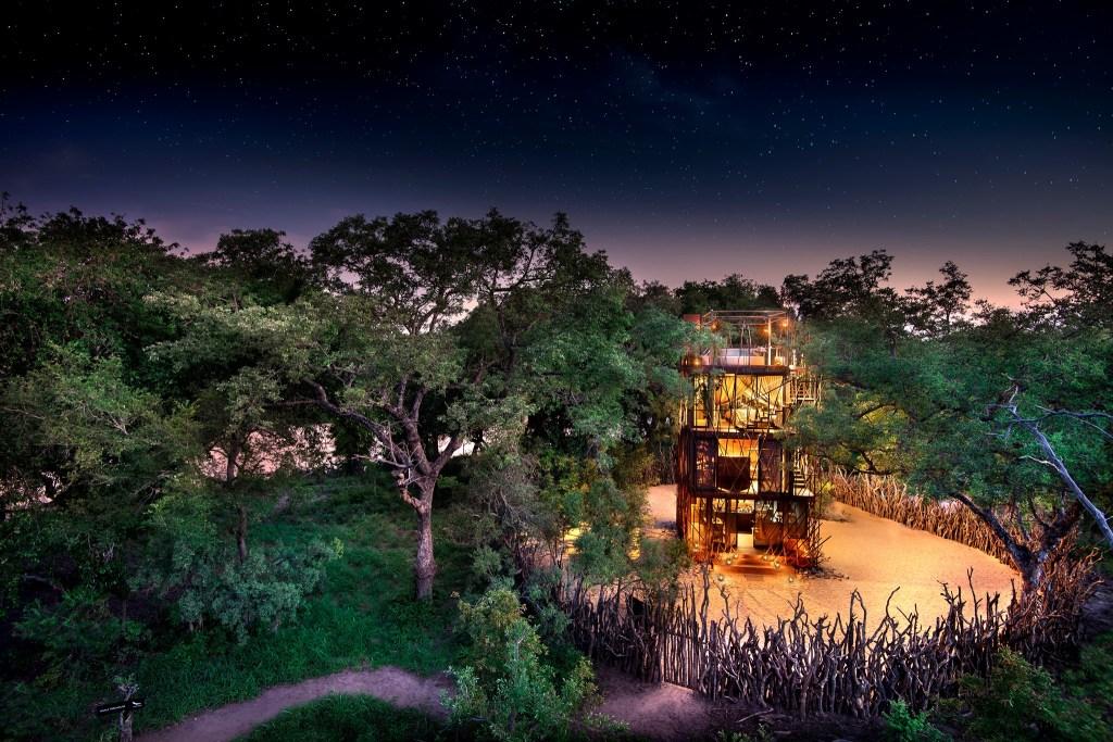 Esta casa del árbol está disponible por 16.5 mil pesos la noche