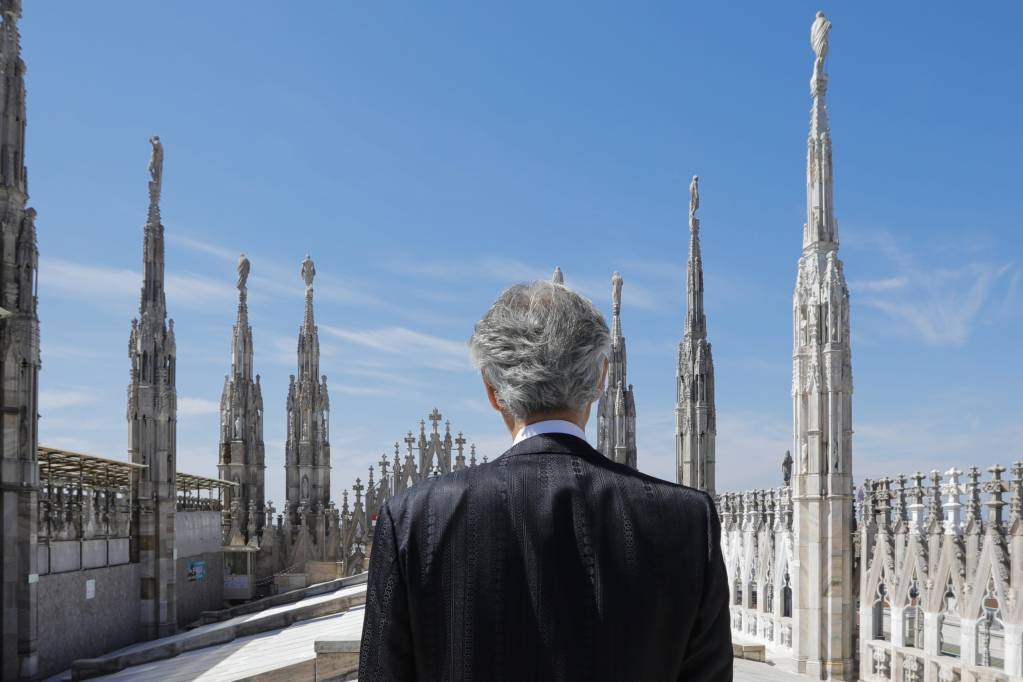 Revive el conmovedor concierto de Andrea Bocelli en Milán