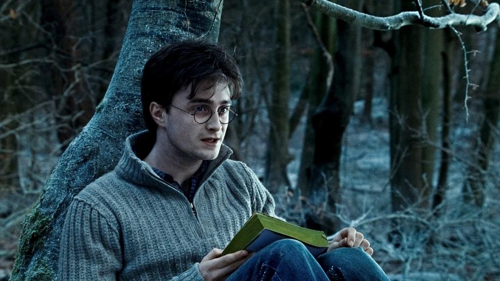 Daniel Radcliffe revive a Harry Potter junto a David Beckham y otros famosos