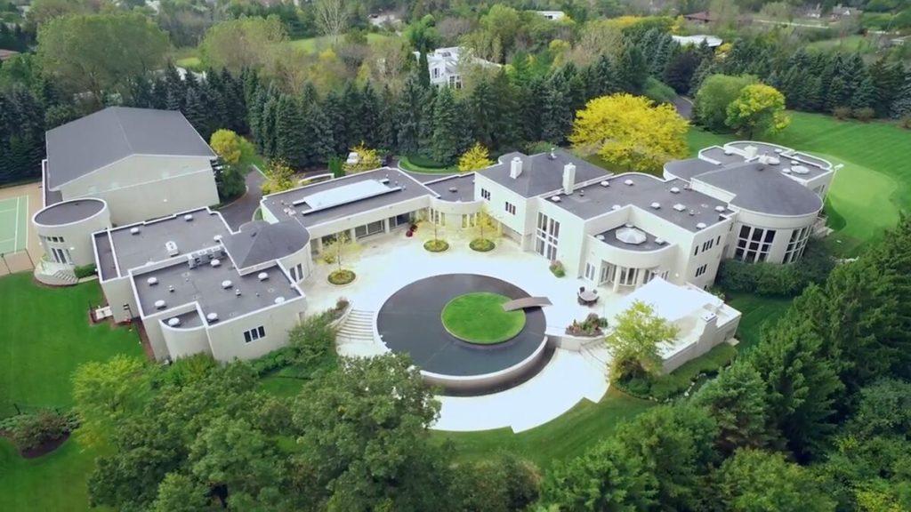 La lujosa mansión de Michael Jordan que le puedes regalar a mamá