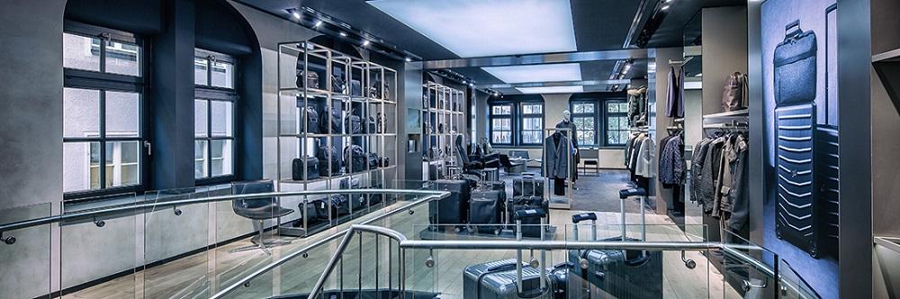 Roba miradas en el aeropuerto con la nueva colección de Porsche design y Bric's Italia