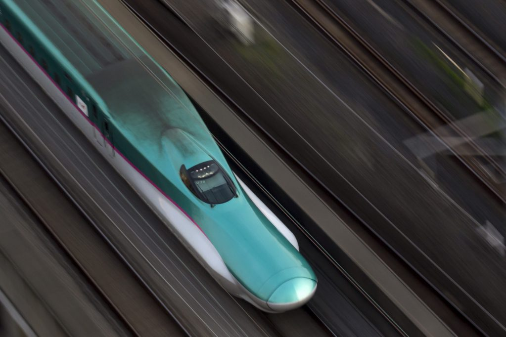 ¡A Japón nada lo detiene! Lanzó su más reciente tren bala a prueba de terremotos