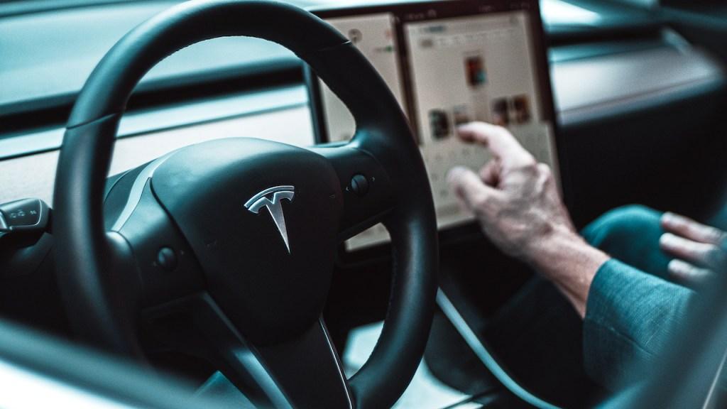 Tesla Dating