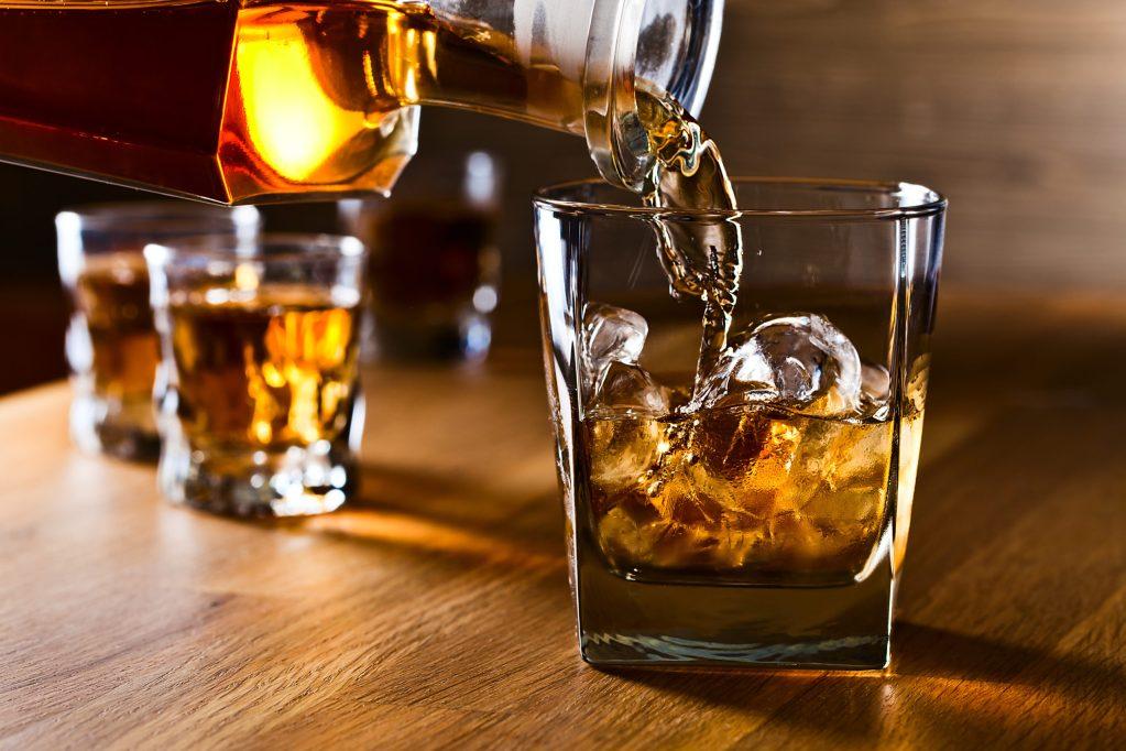 hotel con temática de whiskey