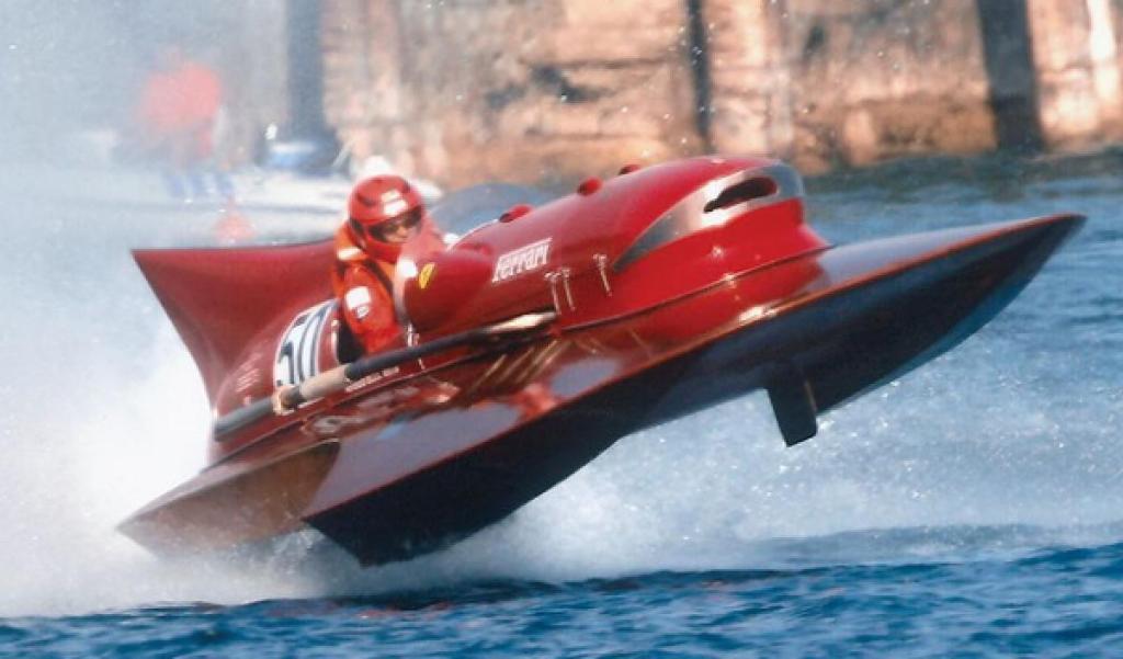 Ferrari Arno XI, la histórica embarcación que impuso un récord de velocidad en el mar, está a la venta