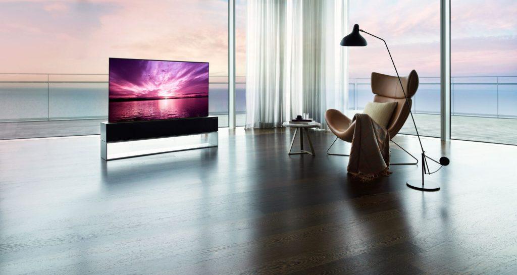 LG lanza la primera televisión enrollable del mundo que puede ser tuya por 87 mil dólares