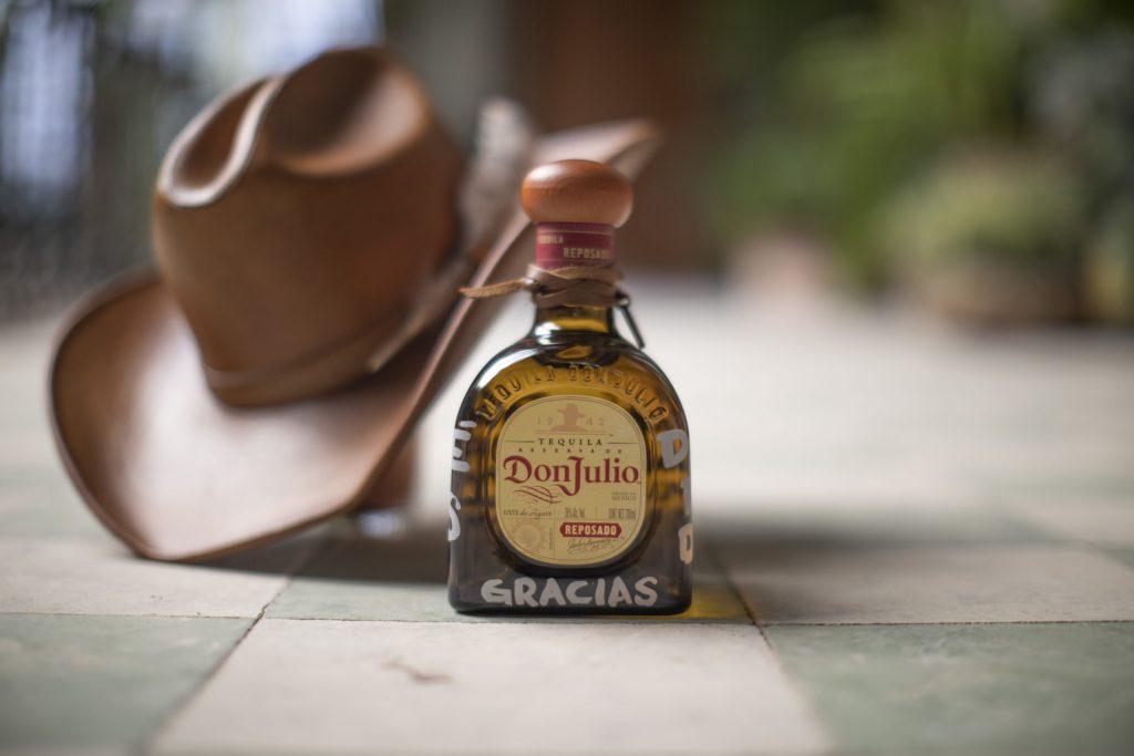 Quítate el sombrero esta navidad con Tequila Don Julio y Küerno