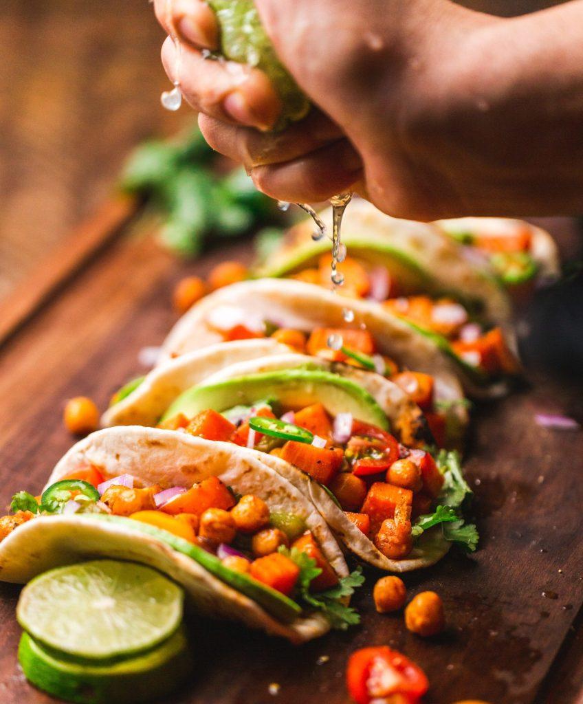 Le damos la vuelta a la tortilla y te mostramos algunos de los tacos más exóticos que podrás probar