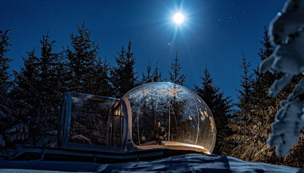 Conoce el Buubble, el hotel de los 5 millones de estrellas en el bosque de Islandia