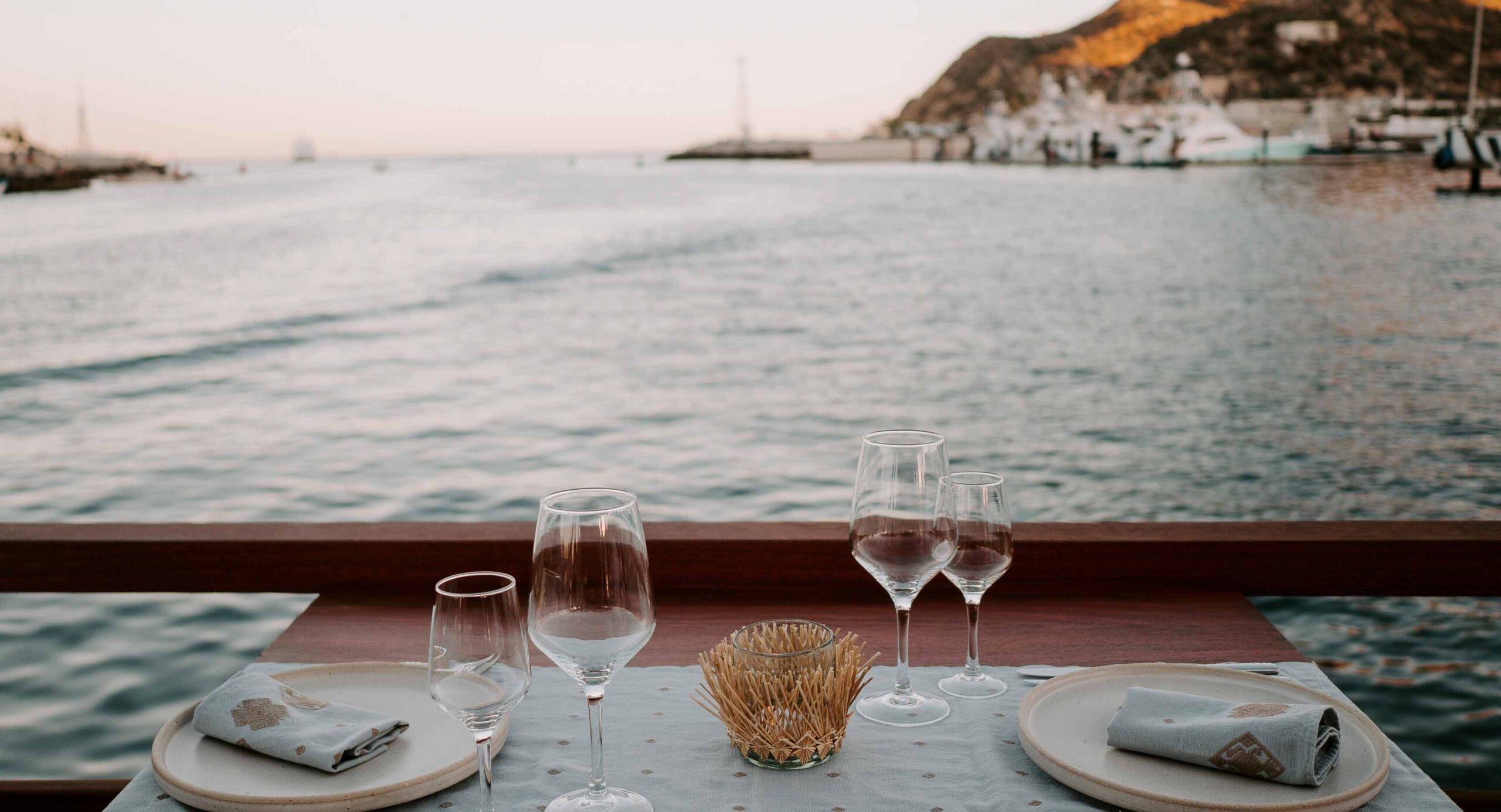 Este restaurante flotante tiene las cenas más románticas de Los Cabos
