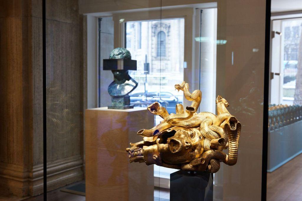 Roma se engalana con la exhibición de Damien Hirst patrocinada por Prada