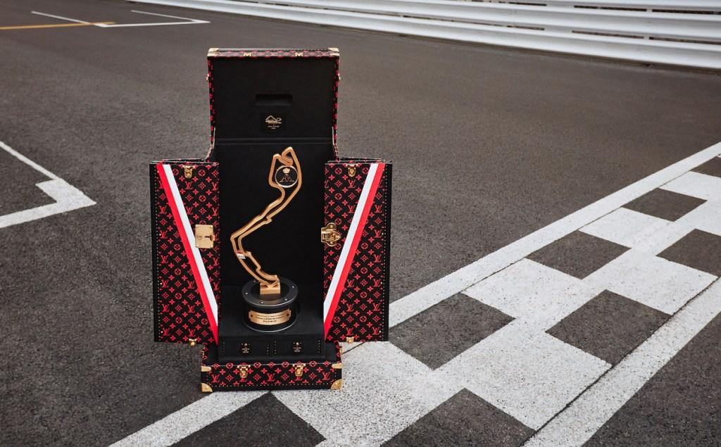 El trofeo del Gran Premio de Mónaco ahora viaja en un elegante estuche de Louis Vuitton