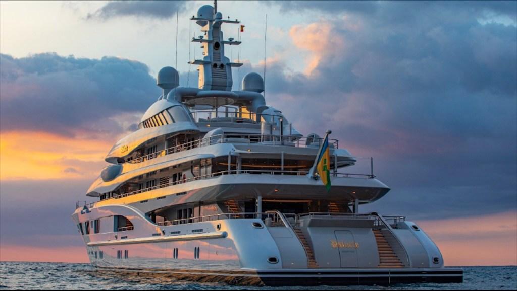 Ya puedes comprar o rentar el barco que hicieron famoso Jennifer Lopez y Ben Affleck