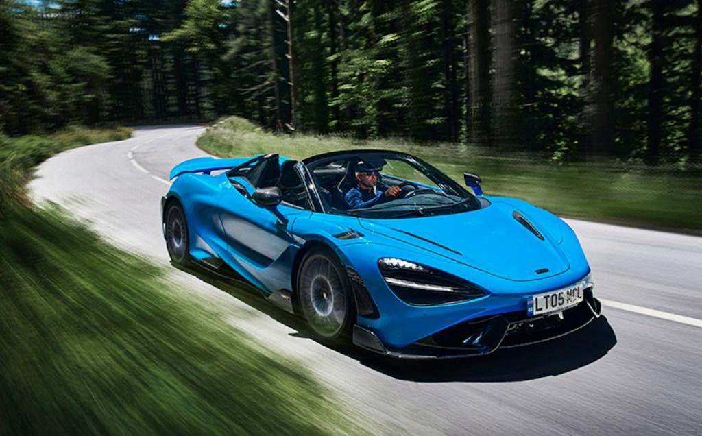 McLaren presenta su descapotable más rápido hasta el momento que supera los 330 km/h