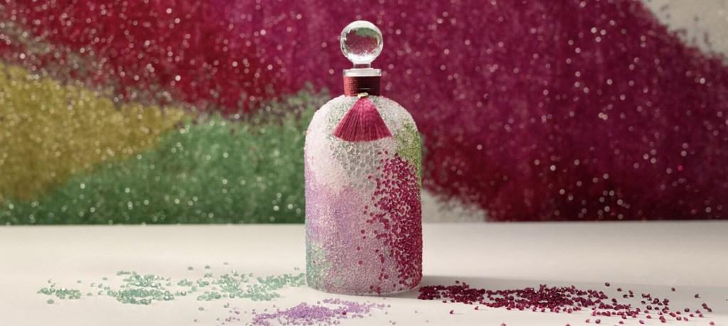La Bee Bottle de Guerlain brilla más que nunca con cristales de Swarovski reciclados