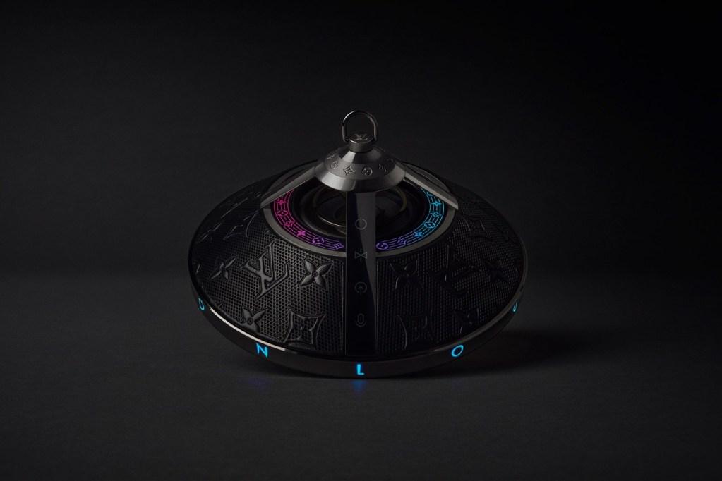 Parece un OVNI, pero es un altavoz de Louis Vuitton con un diseño fuera de este mundo