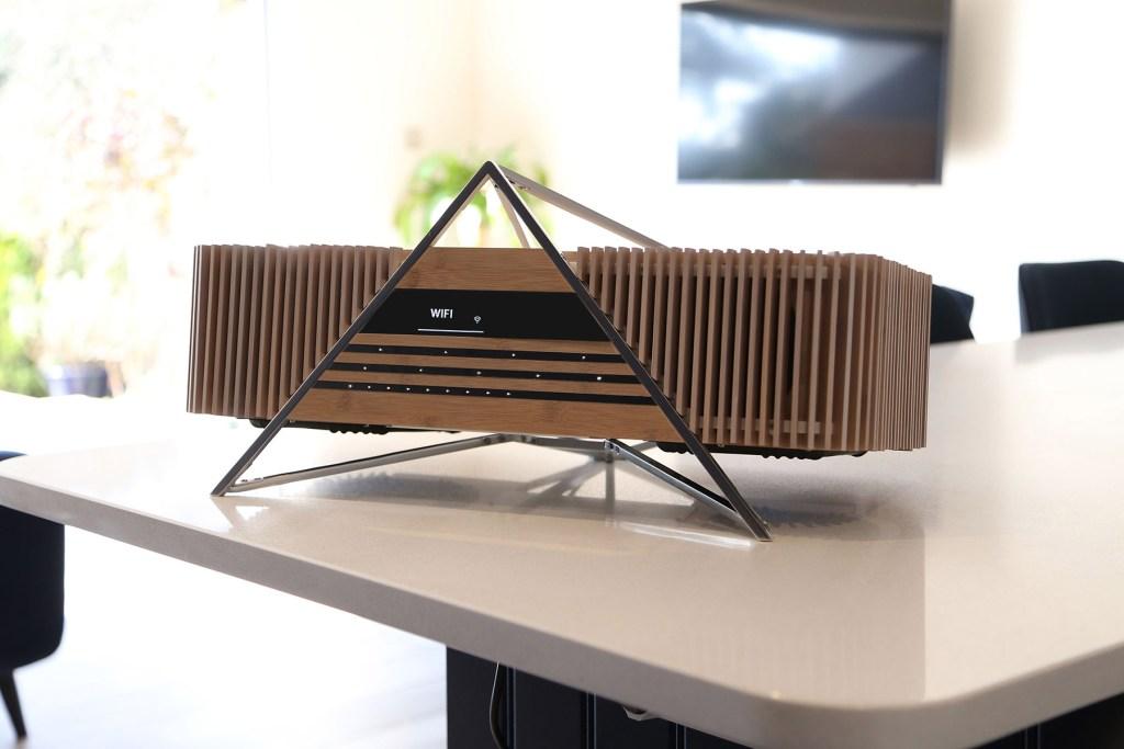 Sonido premium y un diseño sorprendente, iFi Aurora es el sistema de audio que suena tan bien como luce