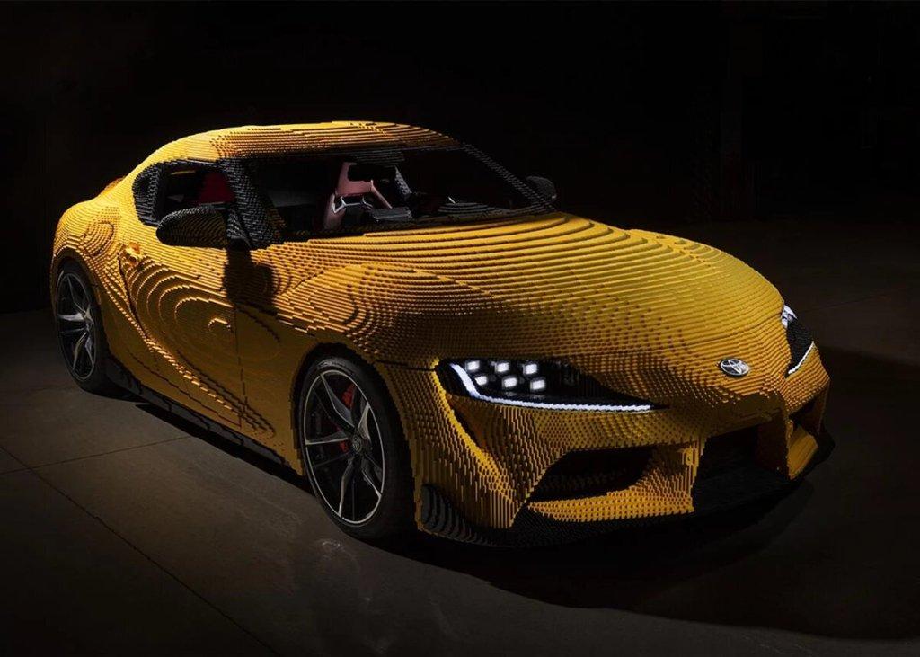 Este Toyota Supra GR luce y funciona como el original, pero está hecho con 477 mil Legos