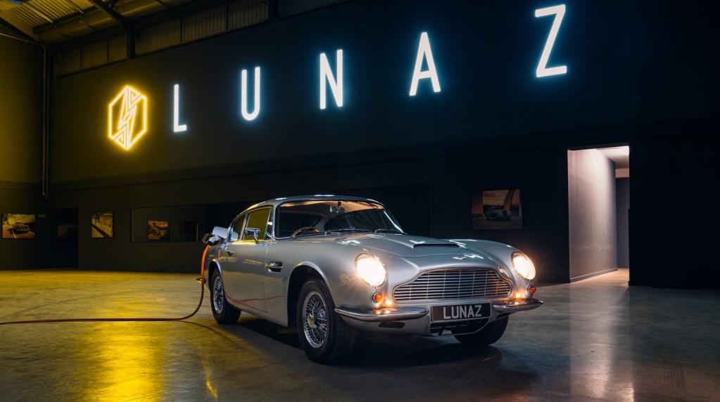 El DB6 de Aston Martin se hace eléctrico, o por lo menos este restomod de Lunaz