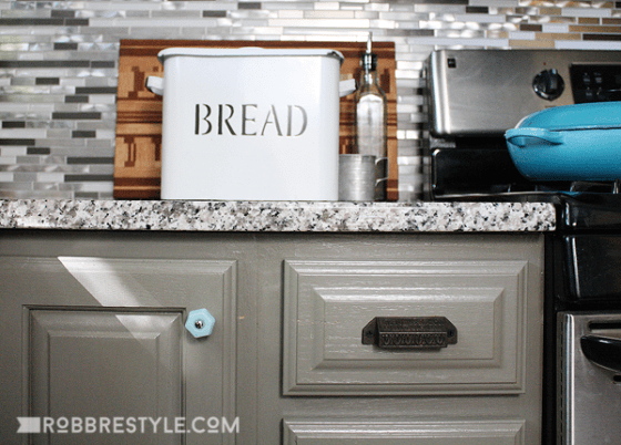5 Clever Farmhouse Kitchen Storage Ideas by Robb Restyle