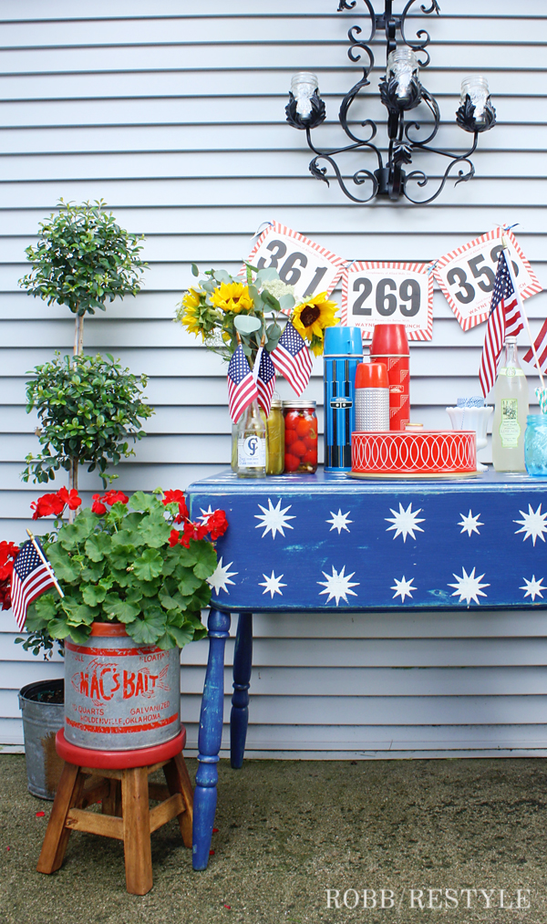DIY Country Chic Paint Projects - Patriotic Table Makeover