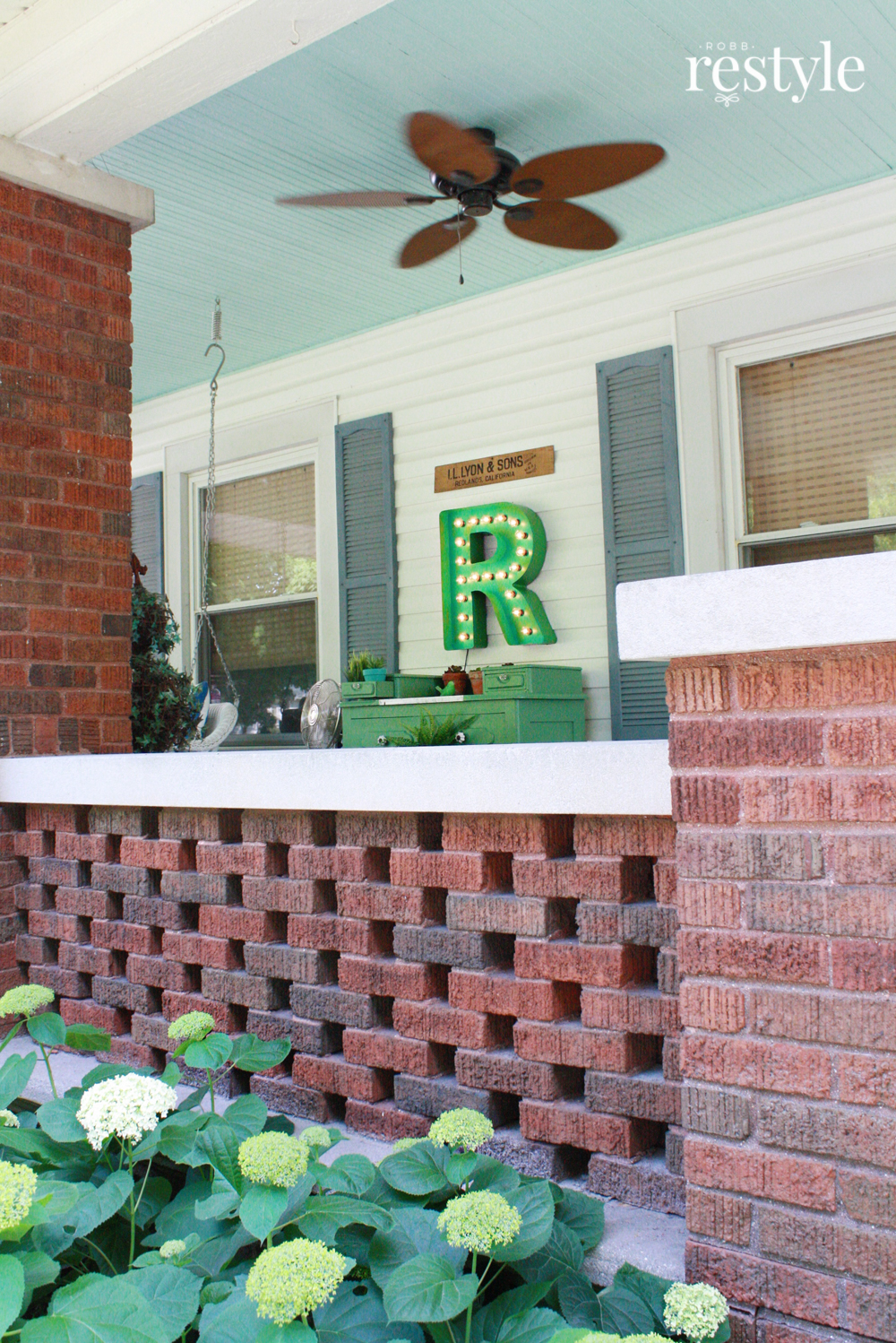 front porch green decor