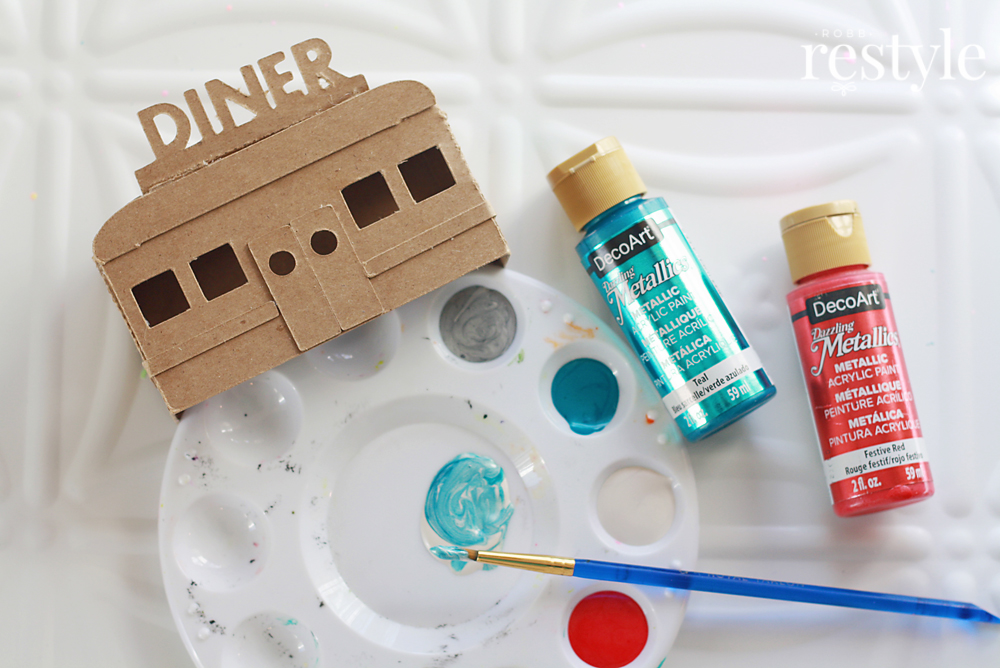How to paint a retro diner for your Christmas putz house village.