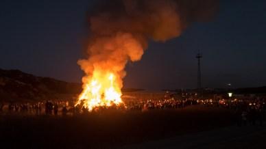 Der Biike-Platz hell erleuchtet
