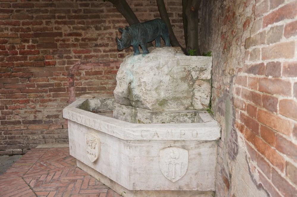 Horse in a Church (2/3)
