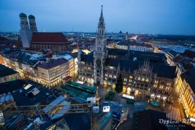 ミュンヘン市庁舎。ここ数十年で建てられたとか・・・雰囲気に合わすために。。。凄い。