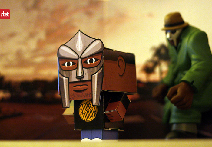 Papercraft: RBST x Cubeecraft MF DOOM (KMD) w/Removable Mask (1/6)