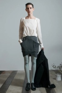 Grauer Minirock Elot Skirt von Format Berlin bei roberta organc fashion