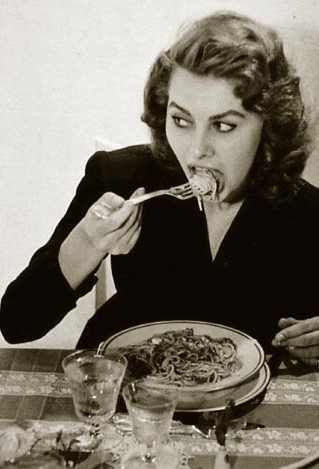sophia-loren-spaghetti