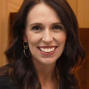 Jacinda Ardern, un premier agli antipodi: a 100 casi chiude la Nuova Zelanda