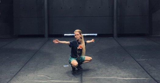 Laura Pante durante l'elaborazione della nuova creazione di Jérôme Bel