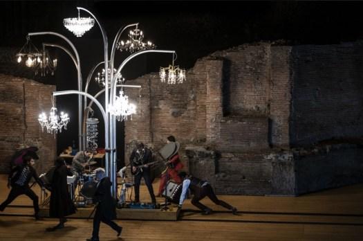 La Cerisaie- regia Tiago Rodrigues - Pompei Theatrum Mundi ph Marco Ghidelli