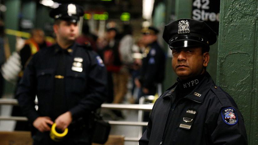 VIDEO: Una mujer apuñala mortalmente a otra durante una brutal pelea en el metro de Nueva York