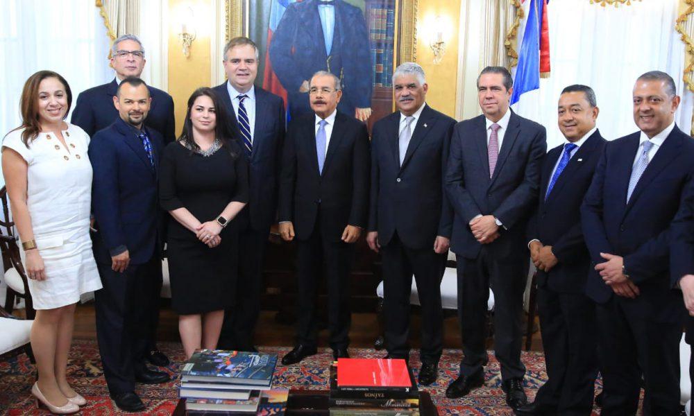 Alto ejecutivo de Jet Blue manifiesta apoyo a República Dominicana en visita al presidente Danilo Medina