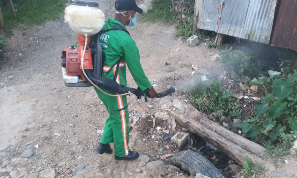 Obras Públicas fumiga casi 600 mil viviendas en primer semestre del año, buscan contribuir a la erradicación del dengue