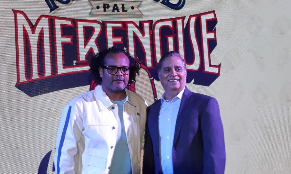 """(Video): Alberto Zayas asume el reto de darle """"Un record pal merengue"""""""