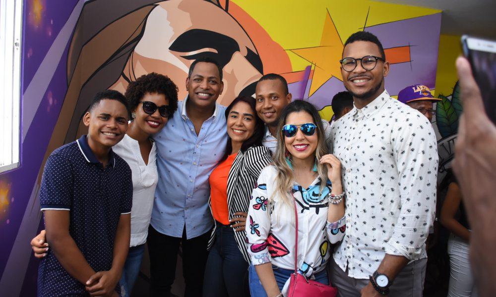 Bolívar Valera inicia campaña electoral a diputado con Santo Domingo Este es Arte